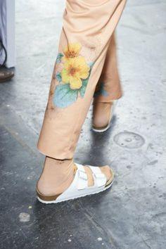Hero Magazine Backstage, Capri Pants, Trousers, Hero, Magazine, Texture, Fabric, Fashion, Trouser Pants