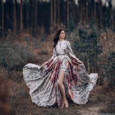 #mulpix Люблю когда мои клиенты готовы и в холод и в дождь творить красоту). На фото прекрасная @alenka_sava  MUAH: Ольга Некрасова @beautybarbonnie  Dress: @malyarovaolga   #фотографспб  #фотодень  #пленер  #осень  #фотосессия  #фотодня  #фотограф   #фотопроект  #фотодень  #девушка  #русскаякрасавица  #осень  #природа  #лес  #photographer   #photosession  #photographyeveryday  #photooftheday  #photoday  #photoshoot  #russianmodel  #forest  #beauty  #fashion  #autumn