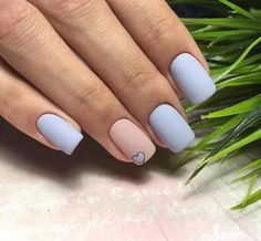 In Short nails have always been popular with fashion women. Short nails are diversified and colorful. In every season of Manicure fashion, you can see short nails on any. Prom Nails, Long Nails, My Nails, Short Nails, Nails 2018, Holographic Nails, Gradient Nails, Stiletto Nails, Matte Nails