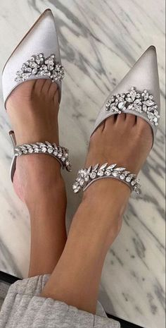 Love To Meet, Silver Christmas, Carrie Bradshaw, Manolo Blahnik, How To Find Out, Product Launch, Classy, Sparkle, Heels