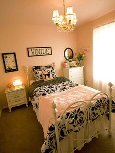 A Paris Themed Girls Bedroom