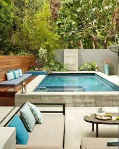 Enjoying Backyard Landscaping Design Ideas With Small Pool To Have – backyard design ideas Amazing Swimming Pools, Small Swimming Pools, Small Pools, Swimming Pools Backyard, Swimming Pool Designs, Small Backyards, Lap Pools, Pool Decks, Small Backyard Design