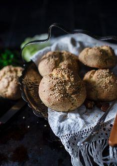Pagnotte di mandorle senza lievito di birra – Video Ricette Gruppi Sanguigni Muffin, Paleo, Almonds, Cookies, Breakfast, Desserts, Food, Halloween, Diets