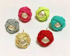 Earrings Handmade, Knots, Tassel, Jewelry Bracelets, Jewelry Accessories, Jewelry Making, How To Make, Design, Diy Kid Jewelry