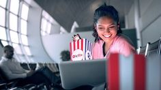 Dubai International estrena la experiencia de streaming de películas gratis   DUBAI EAU Agosto 2017 /PRNewswire/ -Asociación con ICFLIX para impulsar servicio Wi-Fi de la mejor clase en el aeropuerto La experiencia del cliente en Dubai International (DXB) ha dado otro paso enorme con los pasajeros ahora pudiendo disfrutar de películas gratis y series de televisión antes de sus vuelos gracias a una alianza entre Dubai Airports y el proveedor de contenido regional ICFLIX. La iniciativa combina…