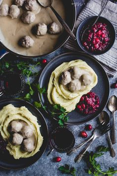 Swedish Meatballs in Gravy from The Paleo Healing Cookbook by https://meatified.com/