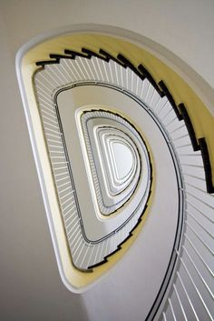 Luxury Staircase, Staircase Railings, Spiral Staircases, Staircase Design, Letter Photography, Interior Photography, Stairs Architecture, Architecture Details, Outside Stairs