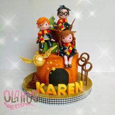 #Birthdaycake #customcake #customcakejakarta #partyfavour #kueulangtahunjakarta #jajanjakarta #delicious #sweettable #fondant3D #caketopper…