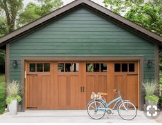 Garage + Courtyard Pictures From HGTV Urban Oasis 2016 - car parking House Paint Exterior, Exterior Paint Colors, Exterior House Colors, Exterior Doors, Exterior Design, Garage Exterior, Black Trim Exterior House, Bungalow Exterior, House Siding