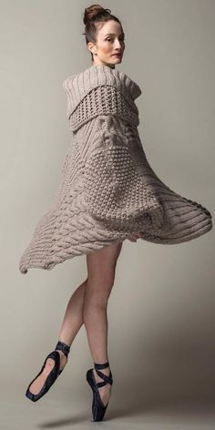 Tunic from Hania by Anya Cole Knitwear Fashion, Knit Fashion, Knitting Patterns Free, Hand Knitting, Julie Kent, American Ballet Theatre, Ballet Theater, Mini Robes, Knitted Cape
