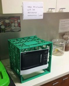 nice microwave picture. thats really gping to cook u some food....
