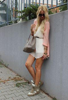 sneaker wedge & dress style