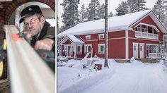 Taivalkoskelainen Teuvo Puolakanaho on rakentanut taloaan koko tämän vuosituhannen ajan.