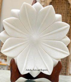 white marble lotus plates