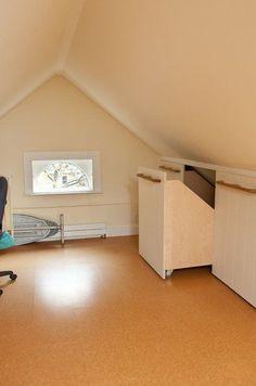 Resultado de imagen de opbergen schuin dak zolder
