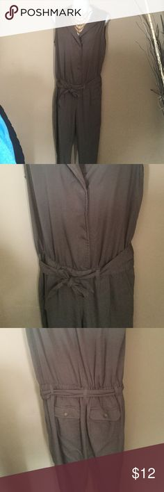 Women's jumpsuit In great condition! Pants Jumpsuits & Rompers