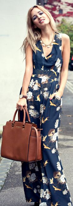 Adorable sleeveless floral maxi dress- potentially looks like a jumpsuit to me! Look Fashion, Womens Fashion, Fashion Design, Street Fashion, Mein Style, Outfit Trends, Floral Maxi Dress, Floral Jumpsuit, Maxi Dresses