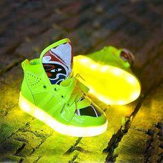 Trouver plus Chaussures de sport Informations sur Chaussure Enfant Pu Lace  up élégant enfants bande dessinée 0398c14a51e9