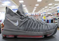 Nike Basketball& Elite update of the Zoom KD 9 is getting ready to launch.  Featuring a raised cut and external lacing system, Nike Zoom KD 9 Elite has  jus