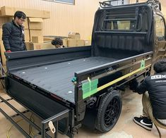 Suzuki Carry, Jimny Suzuki, Truck Flatbeds, Food Truck Design, Cool Vans, Bus Camper, Mini Trucks, Toyota Cars, Metal Working