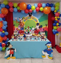 Mickey Mouse Club House Birthday Max is One🎈🎉🎂 By Coste Events team Cupcakes topper by Fiesta Mickey Mouse, Mickey Mouse Cupcakes, Mickey Mouse Clubhouse Birthday Party, Mickey Y Minnie, Mickey Cakes, Mouse Cake, Cupcakes Kids, Elmo Party, Elmo Birthday