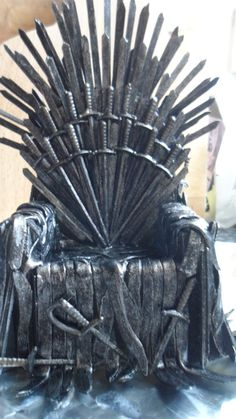 "This is actually incredible that someone made this! #IronThrone PHONE DOCK, #DIY #CRAFTs"" Dare you play, the Game of Phones...?"""