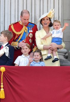See Prince Louis (and His First Royal Wave!) Make His Trooping the Colour Balcony Debut - See Prince Louis (and His First Royal Wave!) Make His Trooping the Colour Balcony Debut - Princesa Charlotte, Princesa Diana, Duchess Kate, Duke And Duchess, Meghan Markle, Elizabeth Ii, Prinz Georges, Trooping The Colour, Queen's Official Birthday