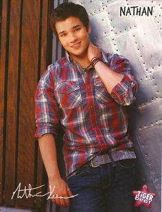 He's pretty hot. Icarly Cast, Nathan Kress, Pin Up Posters, Young Celebrities, Cute Actors, Beautiful Boys, Cute Boys, Sexy Men, Hot Guys