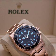 Everose Rolex Submariner shot by @loevhagen