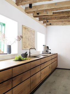 Bespoke-kitchen-Model-Dinesen-HeartOak-Oak-Remodelista-2