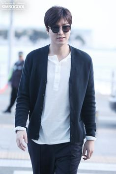[IMGUR] [HD] (Part A: P03-03) [http://imgur.com/RI1kKsa] #Korean #Actor Depart #KOREAN #Incheon #Airport TO #MANILA #PHILIPPINES (Photo By: Kim So Cool Tiwitter: 01 April 2016)  THIS Post: 01 April 2016 (Friday)