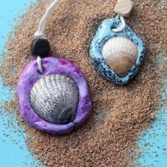Make an easy DIY seashell necklace for your little mermaid - this easy jewelry making craft for kids Summer Camp Crafts, Camping Crafts, Fun Crafts For Kids, Diy Arts And Crafts, Crafts To Make, Camping Activities, Beach Themed Crafts, Ocean Crafts, Beach Crafts