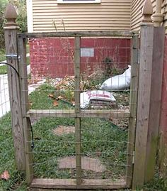 Unchain Your Dog.org | Build Mesh, Chicken Wire Fence for Dogs with Wood and Metal Posts