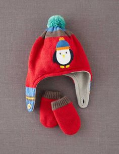 I've spotted this @BodenClothing Patterned Hat & Mittens Set Winter Red Penguin