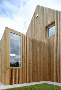 Wood clad extension in Belgium. Get the looks with our range of natural oils from Osmo and Treatex!