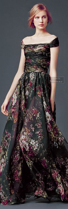 Dolce  Gabbana - Collection Fall Winter 2014 2015. http://es.pinterest.com/meriyay/fashion-dresses/