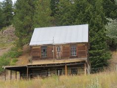 Homesteads, Old Things, Cabin, House Styles, Home Decor, Decoration Home, Room Decor, Cabins, Farmers