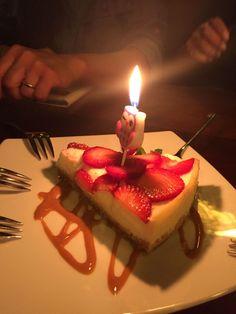 Happy Birthday Chocolate Cake, 17 Birthday Cake, Happy Birthday Parties, Chocolate Cream Cake, Cake Story, Happy Anniversary Cakes, Birthday Girl Pictures, Beautiful Birthday Cakes, Easy Cheese