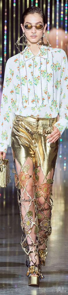Area SPRING 2020 READY-TO-WEAR Ny Fashion Week, Ready To Wear, Crown, How To Wear, Spring, Jewelry, Corona, Jewlery, Jewerly