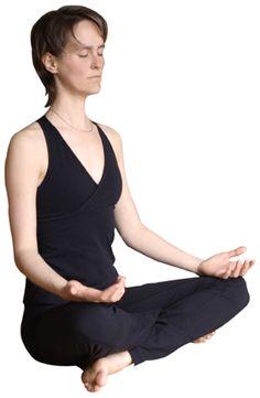 Tailleur (posture facile)La posture du tailleur est une posture très simple où vous vous assoyez les jambes croisées, comme le font les enfants. Si vos genoux sont soulevés, vous pouvez mettre des coussins pour les laisser se reposer ou vous asseoir sur un coussin pour soulever le bassin. Pour certains étudiants de yoga habitués à être assis sur une chaise, cette posture est déjà un défi à relever.