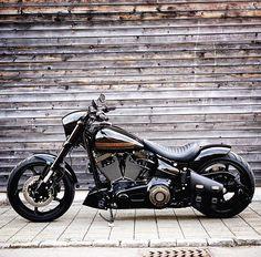 harley davidson breakout accessories parts Harley Davidson Breakout Custom, Harley Davidson Chopper, Harley Davidson Sportster, Custom Street Bikes, Custom Bikes, Hd Motorcycles, Harley Bikes, Custom Harleys, Old Bikes