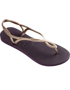 The Luna Sandal features a metallic braided slingback strap with a tonal Havaianas logo for a stylish look and extra secure fit. Comfort comes courtesy of our signature textured footbed. Thong style with slingback strap Cushioned footbed with textured rice pattern and rubber flip flop sole Made in Brazil