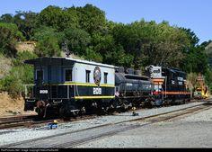 RailPictures.Net Photo: SP 5623 Southern Pacific Railroad EMD GP9 at Sunol, California by NikonRailfan98