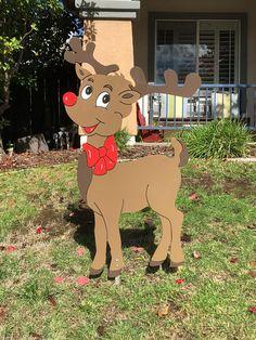 Rudolph Reindeer Holiday Yard Art, Christmas Decor - All For Garden Diy Christmas Yard Decorations, Christmas Yard Art, Christmas Wood Crafts, Christmas Projects, Christmas Tree Ornaments, Etsy Christmas, Christmas Things, Wood Yard Art, Theme Noel