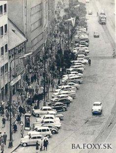 Ulice a námestia - Námestie SNP - Pohľady na Bratislavu Bratislava Slovakia, Prague, Old World, Old Photos, In This Moment, Travel, Outdoor, Retro, Nostalgia