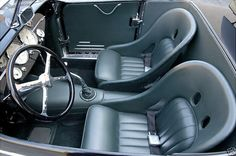 I love these running bucket seats. - Steve Moal Hot Rod Source by johnnyanddeedee Car Interior Upholstery, Automotive Upholstery, Custom Car Interior, Truck Interior, Interior Ideas, T Bucket, Bucket Seats, Racing Seats, Car Seats