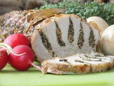 To nietypowo wyglądający schab - z zieloną, ziołową nutką w sam raz na wielkanocny stół :) Ten schab przyciąga wzrokiem - tego nie da się ukryć ;) Przepis na schab pieczony z ziołowo-serowym dodatkiem. Baked Potato, Ale, Pork, Potatoes, Meat, Baking, Ethnic Recipes, Polish, Kitchen