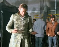 The Hobbit: The Battle of the Five Armies Extended Edition behind the scenes BTS - Lee Pace receiving Thranduil's sword