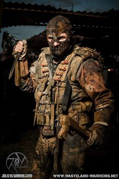 Love this look, like apocalyptic Bane. Mad Max, Post Apocalyptic Costume, Post Apocalyptic Fashion, Apocalyptic Clothing, Apocalypse World, Zombie Apocalypse, Steampunk, Fallout Raider, Wasteland Warrior