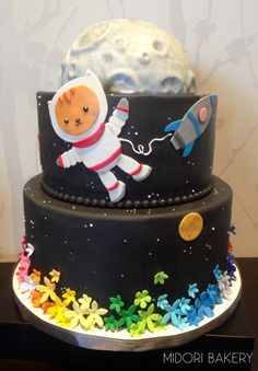"""""""Space Moon Rainbow Cat"""" custom cake design for a child who knew what she wanted. Made with love by Midori Bakery"""